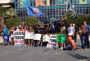 Tebow-rally-at-EverBank-Field